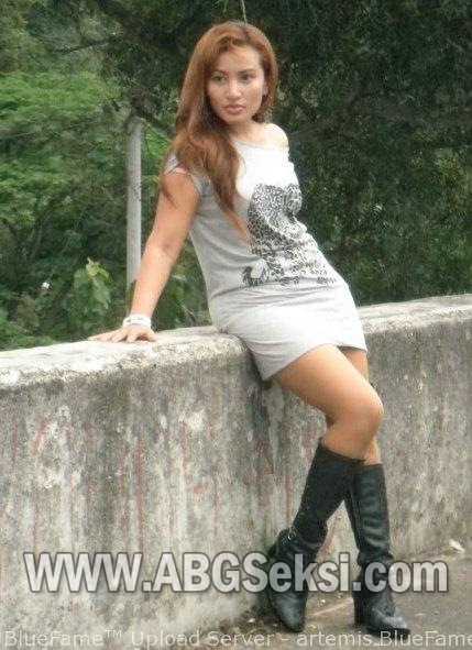 KOLEKSI FOTO HOT TANTE BOHAY Pic 33 of 35