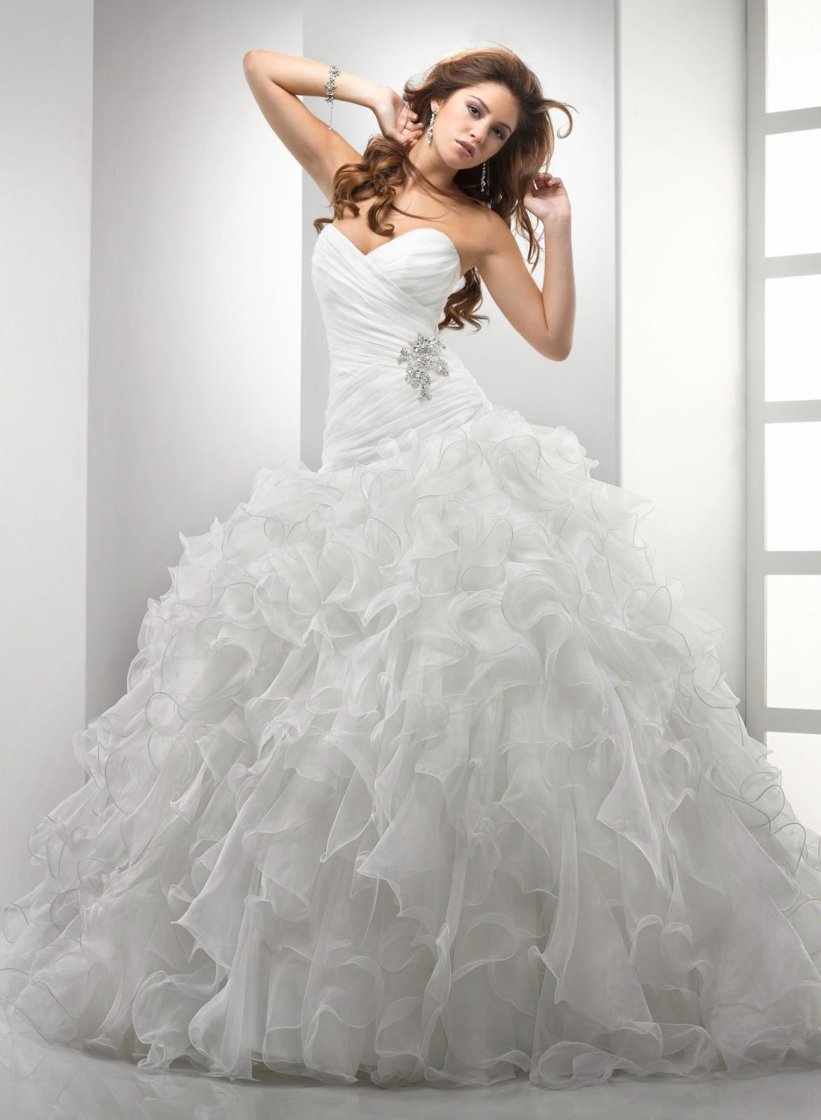 THE WEDDING DRESSES COMPANY: WEDDING DRESSES COMPANY