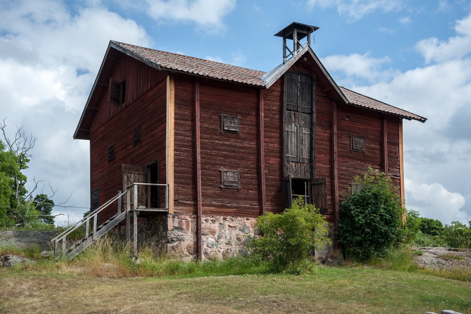 I Love Barns On Pinterest Old Barns Barns And Barn