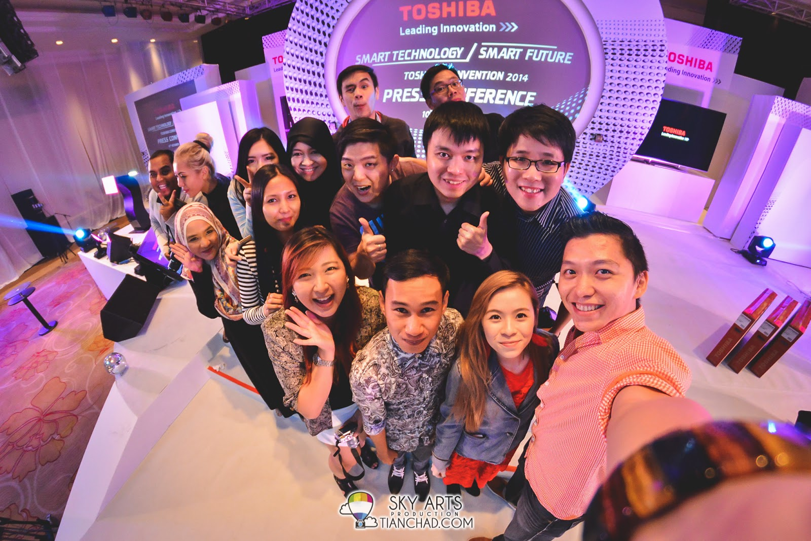 A big #TCSelfie with bloggers buddies who attended the convention that day