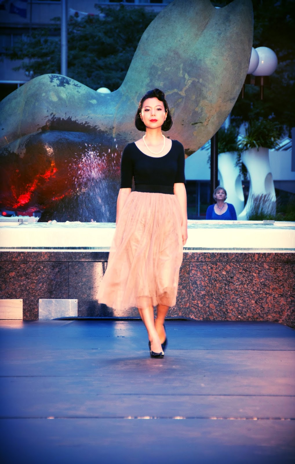 nude tulle skirt black top heels retro vintage fashion show runway catwalk festival mode design Montreal Grace Kelly
