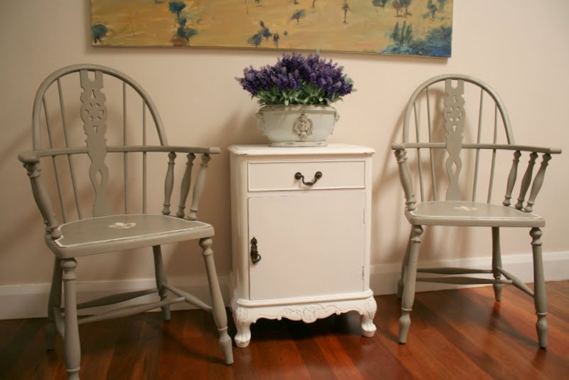 Incroyable Annie Sloan Chalk Paint French Linen Paint Transforms Vintage Captain Chairs .