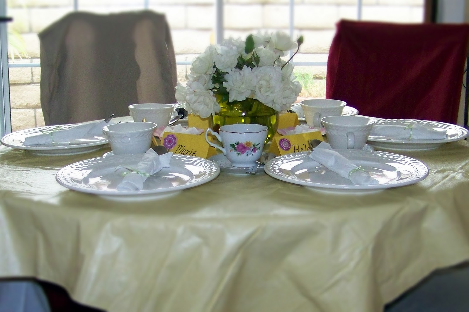 This Is The Tea Table Set Up For 5 Moms. Lovely, Isnu0027t It? Itu0027s A Wonderful  Idea For Girlsu0027 Night Out, But In A Lovely Way.