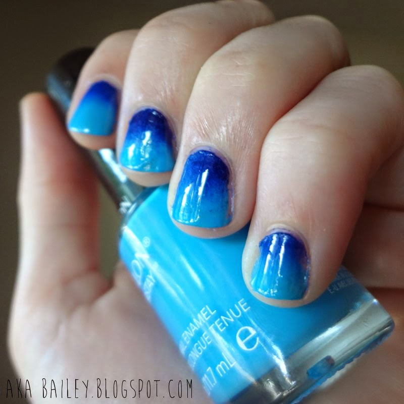 Blue ombre sponged on nails
