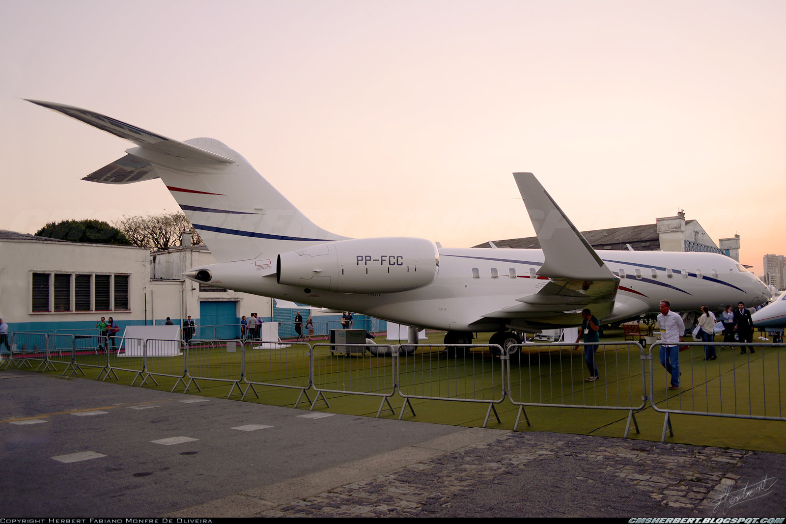 É MAIS QUE VOAR | Bombardier Global 6000 - Foto © Herbert Monfre.