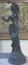 Patung Besi Wanita (motif Eropa)