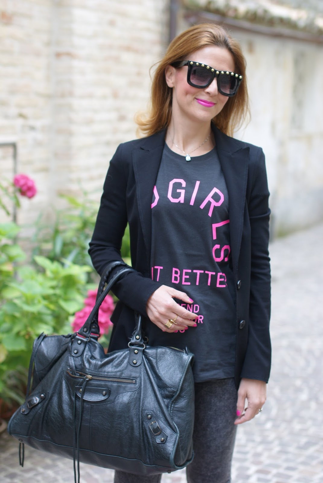 tee trend t-shirt, Asos studded sunglasses and Carla G blazer on Fashion and Cookies fashion blog