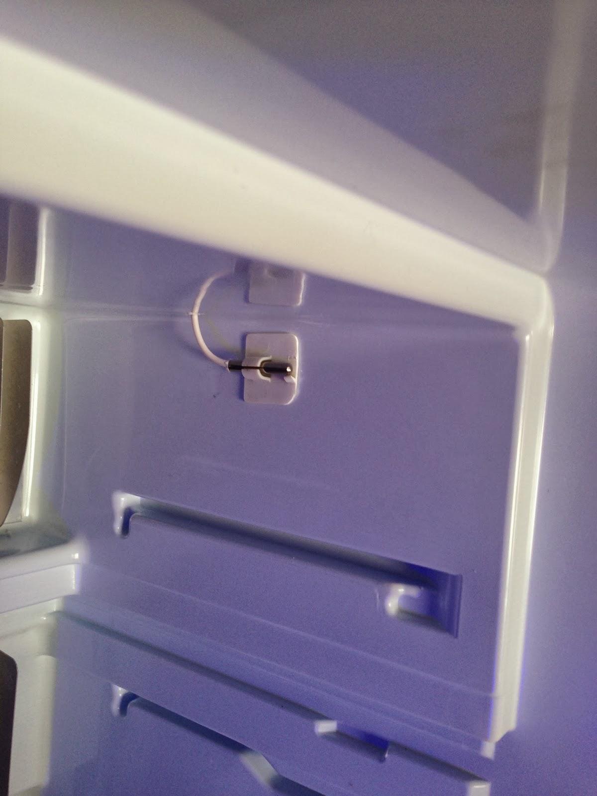 unterwegs mit den wo mo k hlschrank einbau thermometer. Black Bedroom Furniture Sets. Home Design Ideas