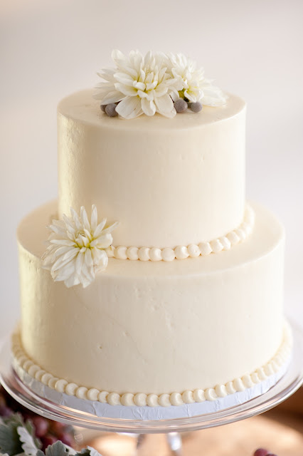 Elegant and Classic Wedding Cake with Pearl Border - Minneapolis