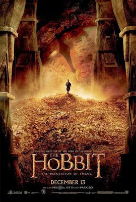 Bilbo auf einem Berg Goldmünzen, im Hintergrund das übergroße Auge des Drachen Smaug