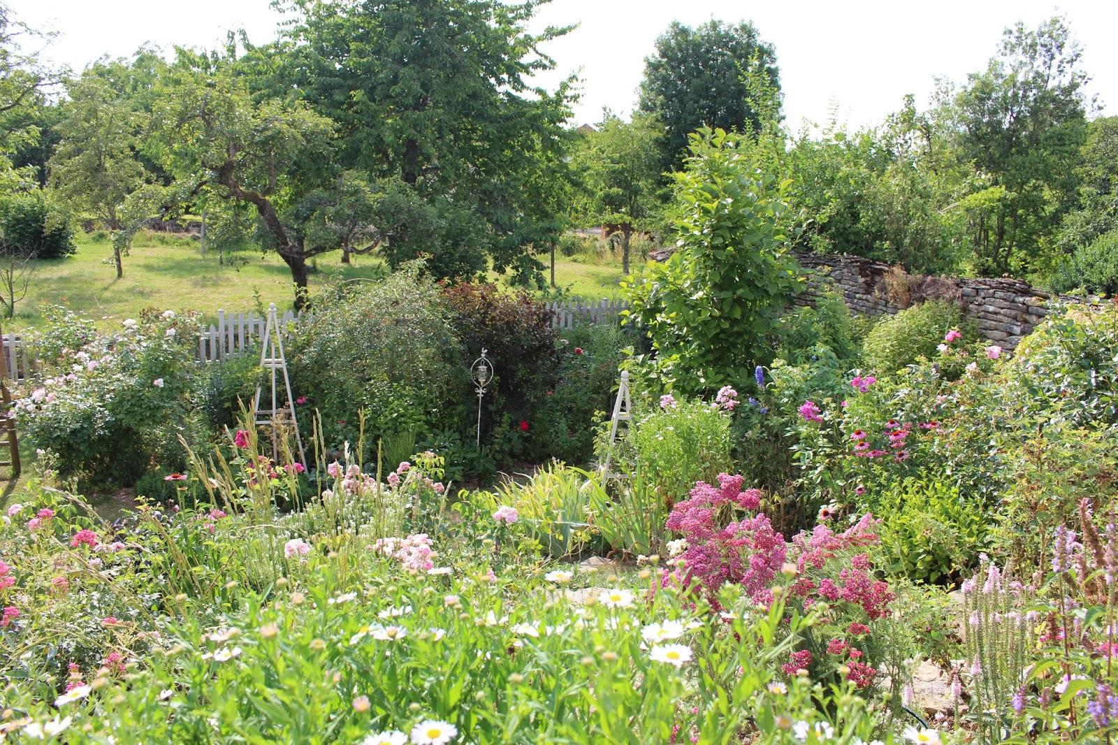 Notre jardin secret summer time for Jardin secret 2015