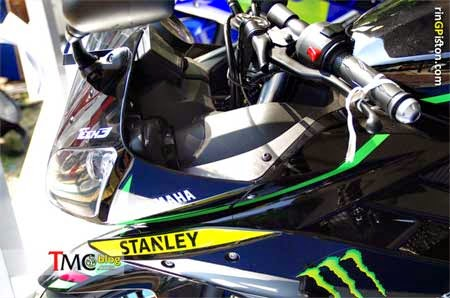gambar Yamaha R15 livery Monster Tech 3