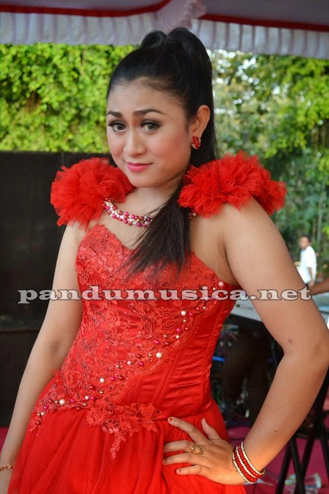 Ngelali – Ana Purbaya – Angling Darma Live Lamongan 2014