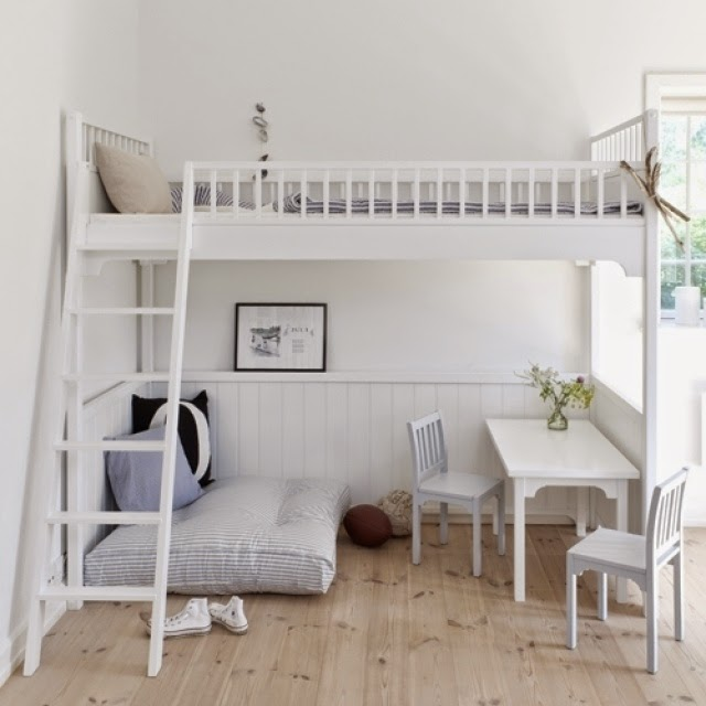 Loft beds for adults good idea for small apartment - Good beds for small rooms ...