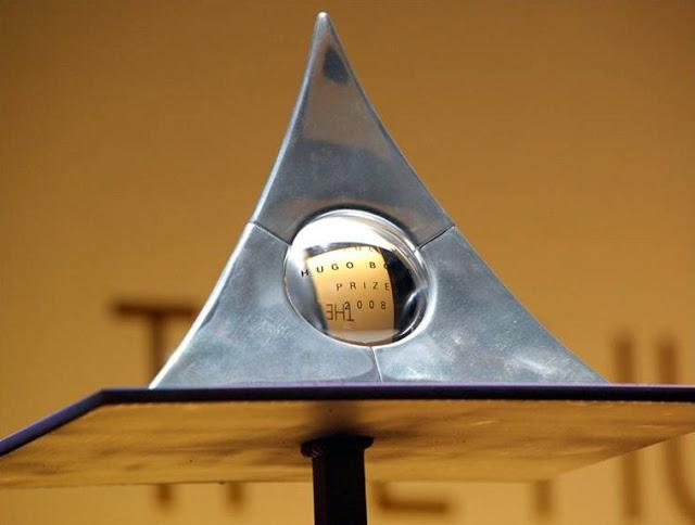 """Statuetka sponsora sztuki współczesnej """"Hugo Boss Award"""""""