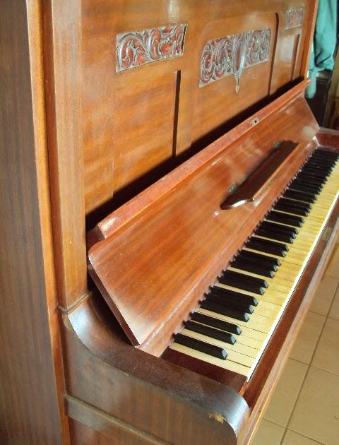 Restauracion muebles compra venta de instrumentos for Compra de muebles antiguos madrid