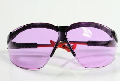 Kacamata butawarna http://www.asalasah.net/2013/02/kacamata-buta-warna-pertama-di-dunia.html