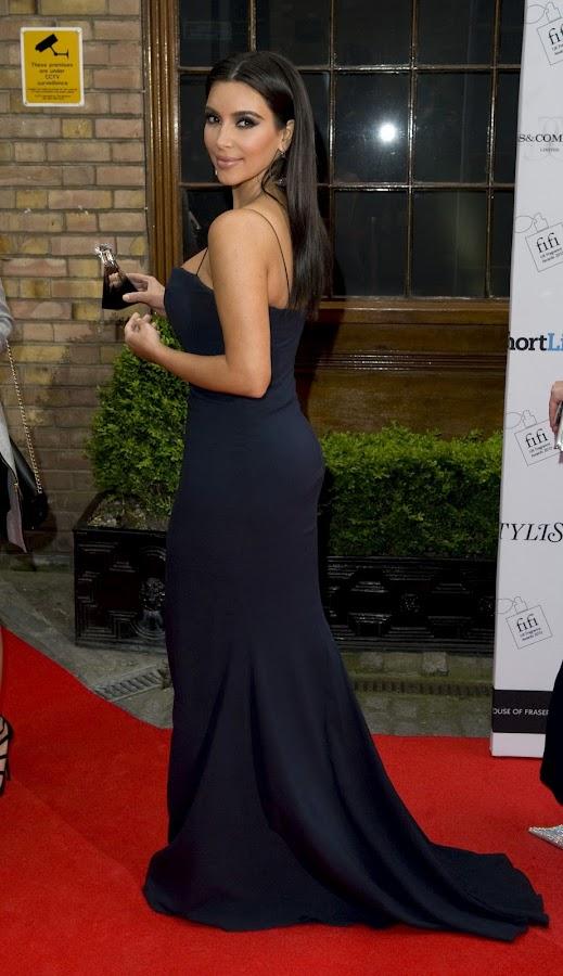 KIM KARDASHIAN enetring The FiFi UK Fragrance Awards 2012 gala