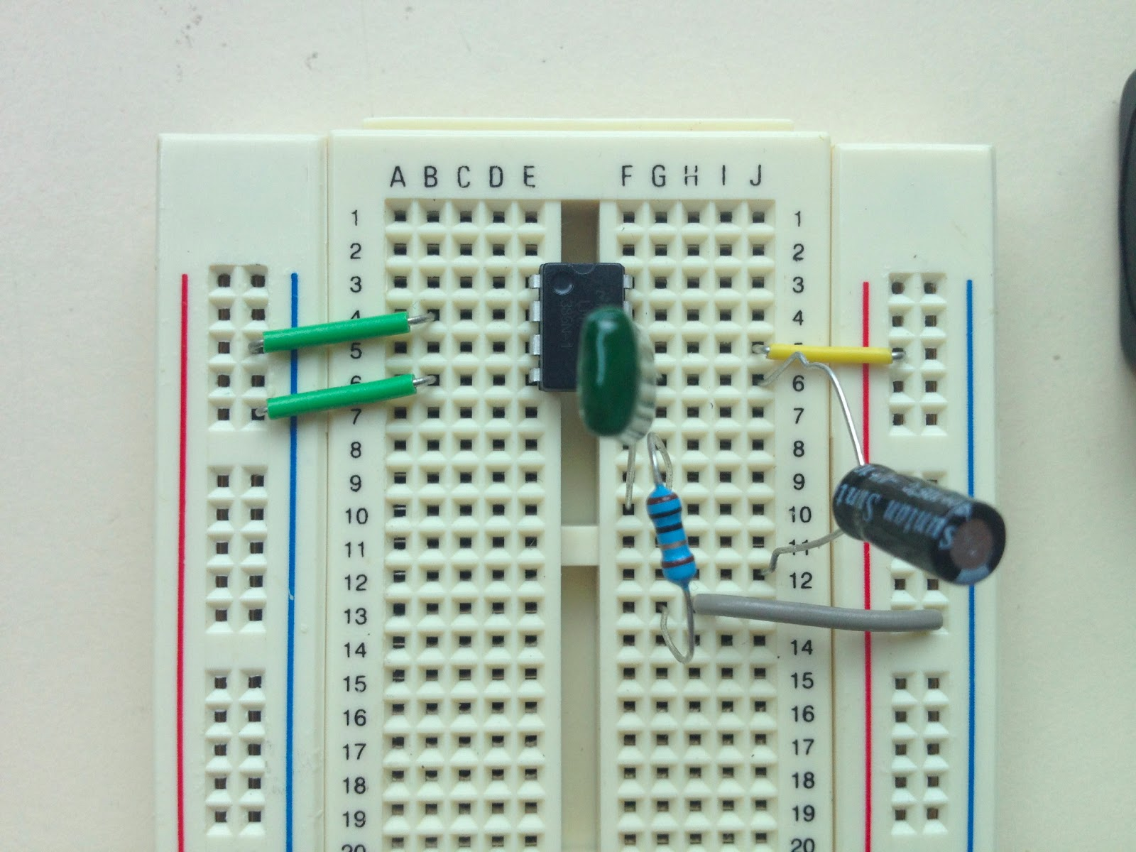 little scale breadboard basics 2 from schematic to breadboard