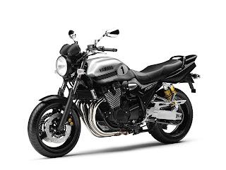 2013 Yamaha XJR1300 Gambar Motor-4