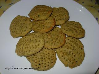crackers al pesto