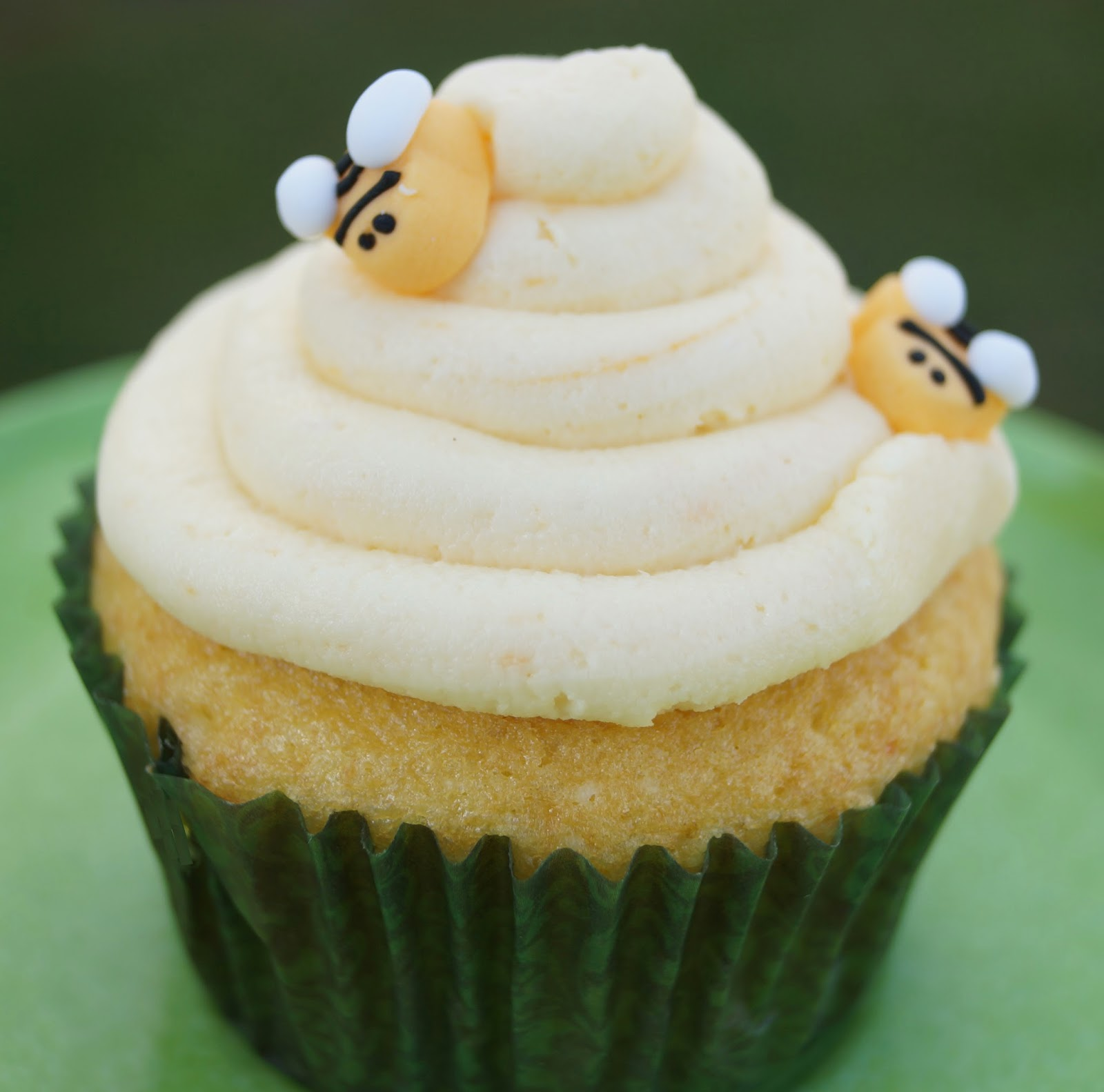 Chamomile cupcake with honey. - Cook and Post