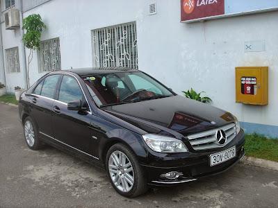 Cho thuê xe 4 chỗ Mercedes C200 Vip tại Hà Nội