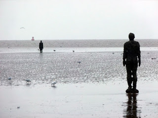 Crosby, statues, Antony Gormley, a bit about Britain