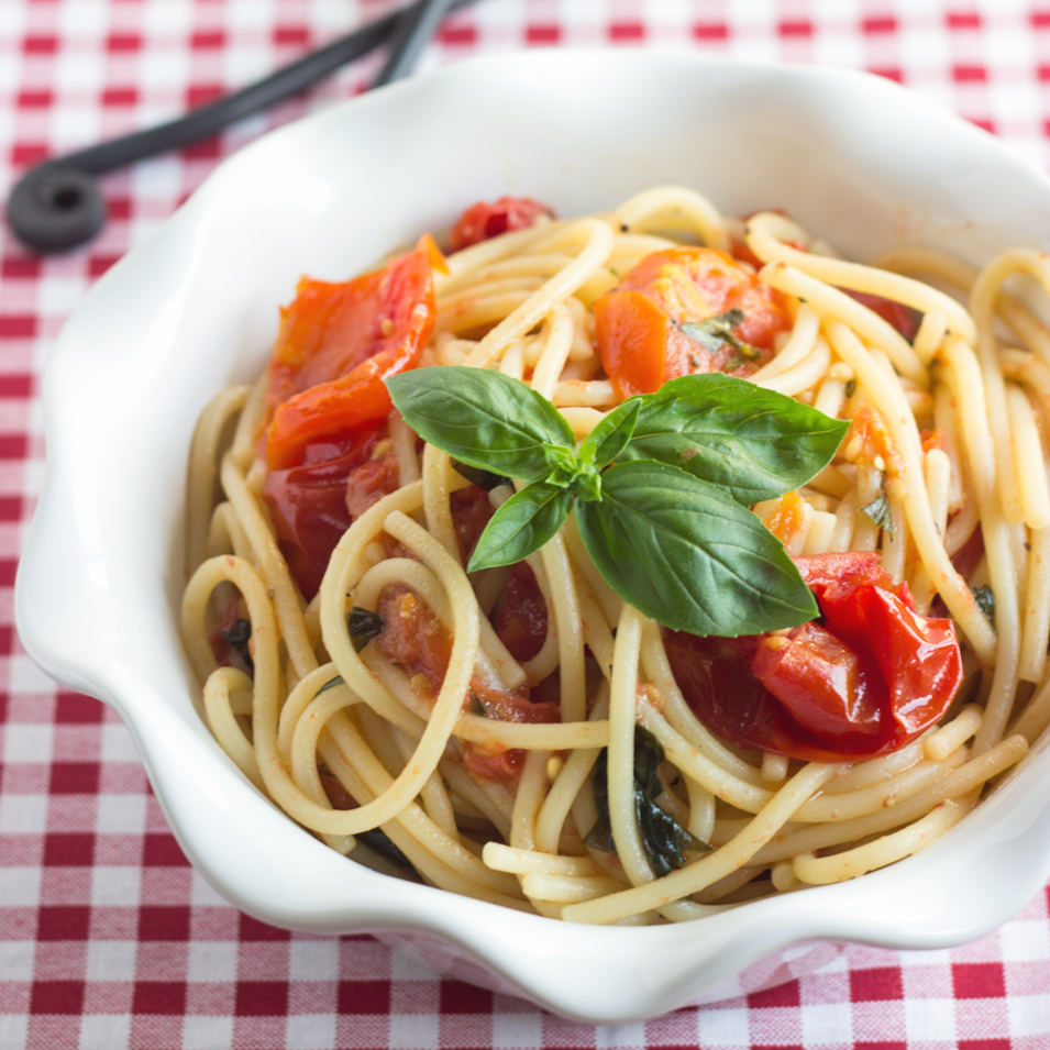 Spaghetti with Roasted Tomatoes
