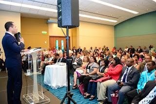 Juan de los Santos expone en cumbre internacional en Puerto Rico
