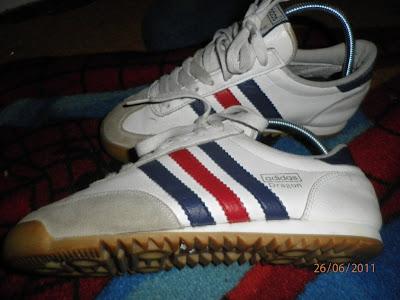 harga kasut adidas original