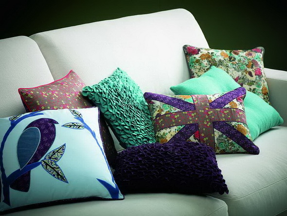 Relas come cucire un cuscino per divano passo dopo passo for Come disegnare un piano casa passo dopo passo