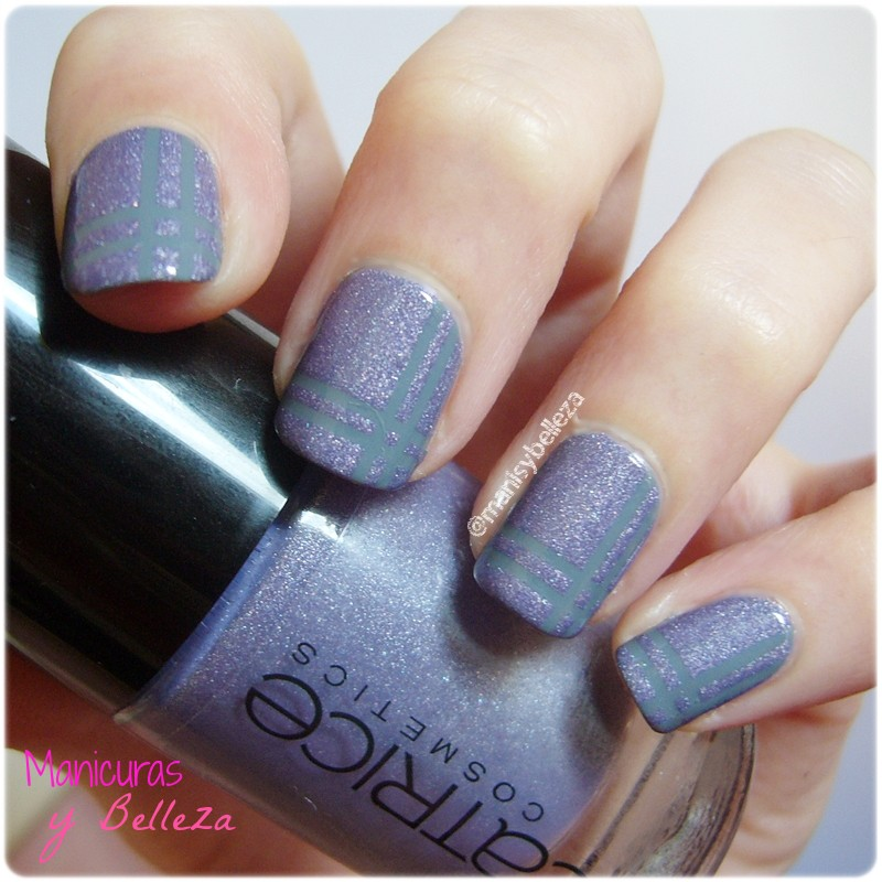 Uñas Dirty Berry Catrice shimmer nails nail polish londons weather forecast striping tape cinta nail art manicura sencilla fácil lila gris