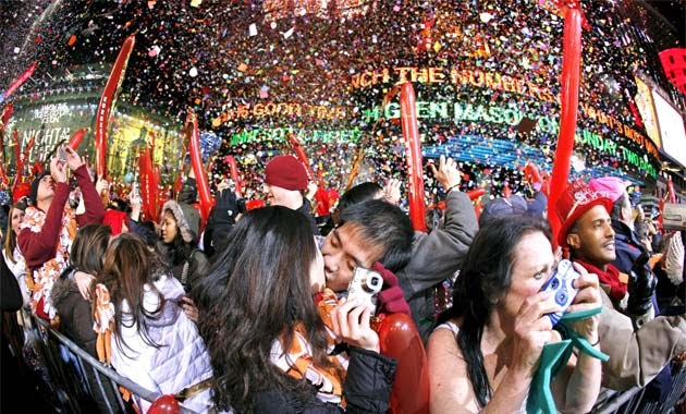 Top 10 Places in World for Happy New Year 2016 Celebration