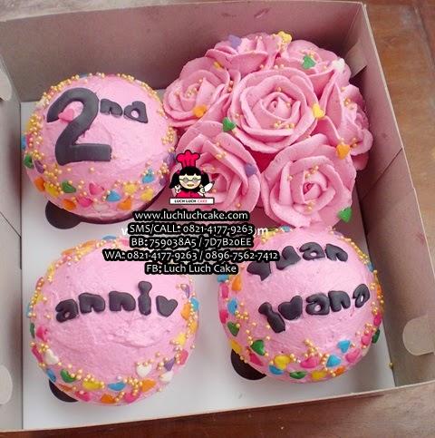 Cupcake Anniversary Mawar Pink Cantik