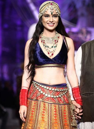 Kangana Ranaut and Kabir Bedi walk for JJ Valaya bridal show in Delhi-2013