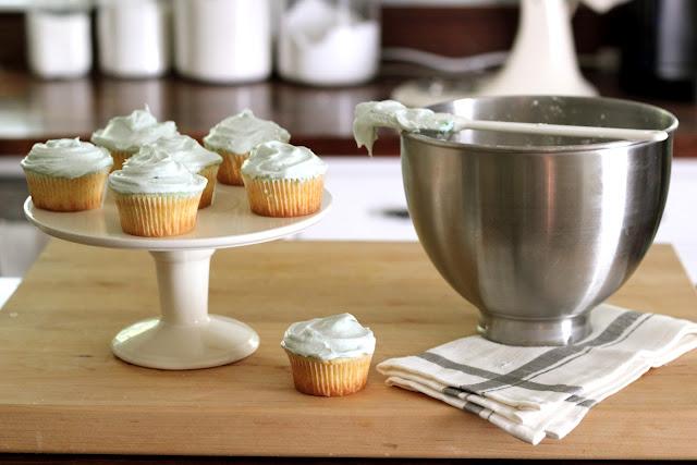 ... Steffens Hobick: The Best Vanilla Cupcakes with Vanilla Buttercream
