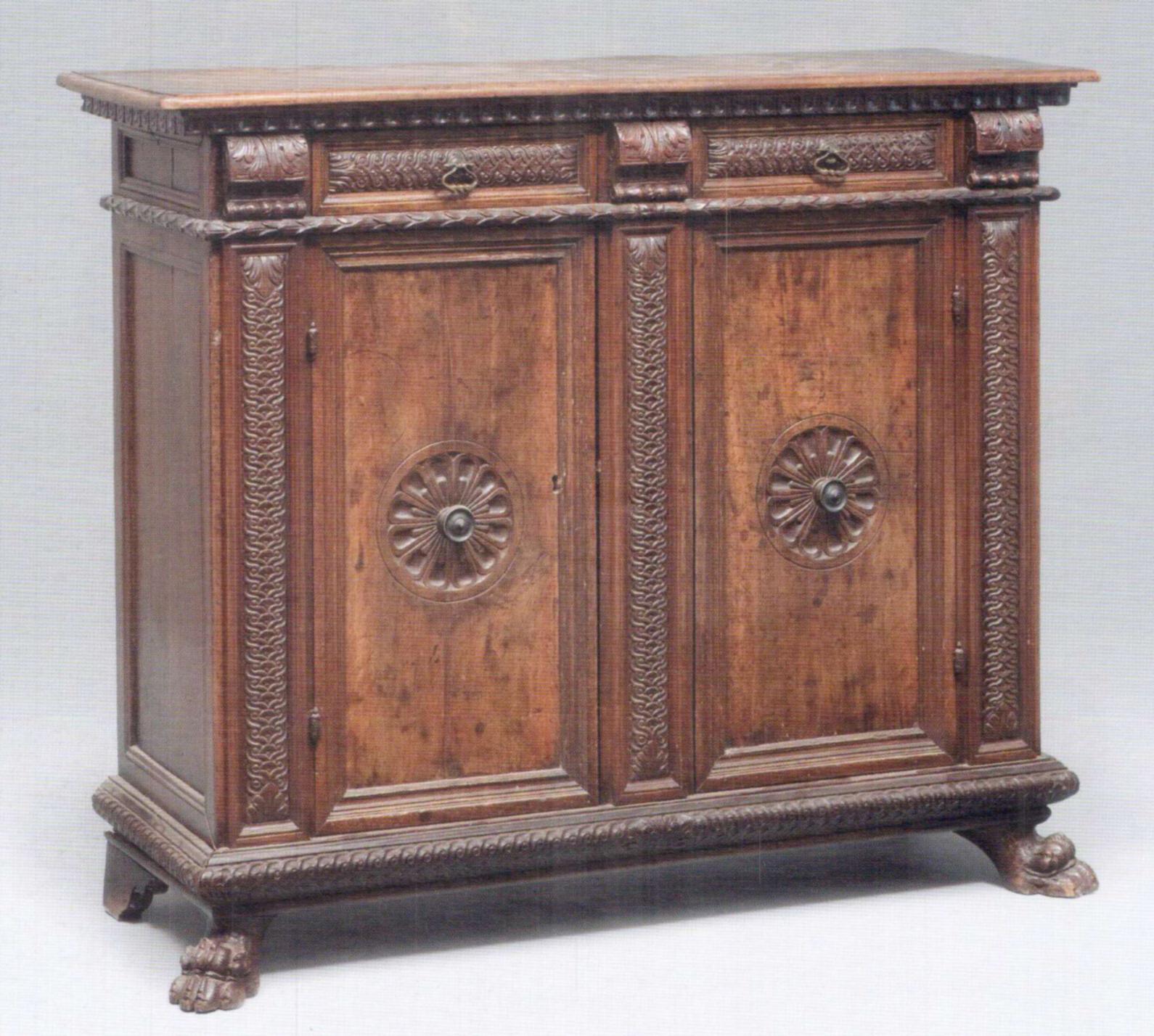 Credenza toscana in noce xviii secolo consulenza per - Stima mobili antichi ...
