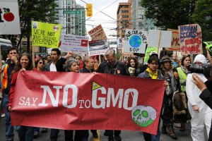 Kellogg, Pepsi, Kraft & Coke Drop GMOs in Europe, but Keep Feeding it to USA