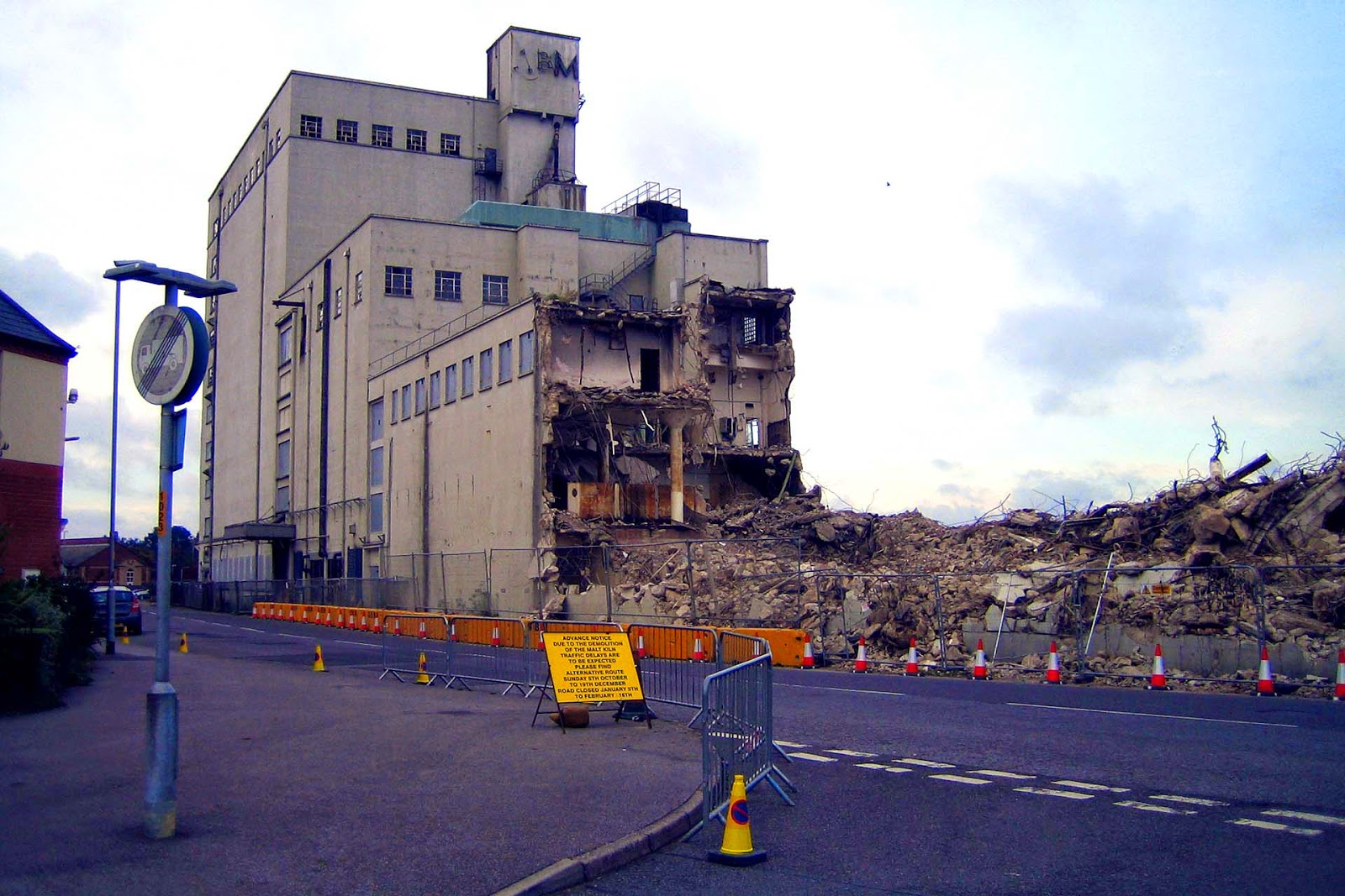 lincolnshire cam louth malt kiln being demolished