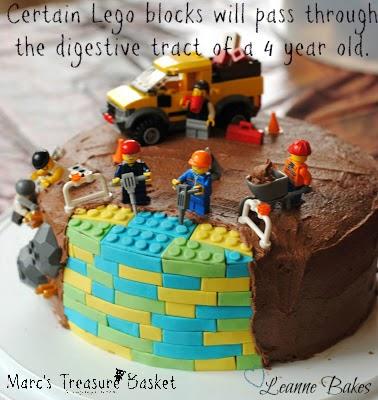 http://www.leannebakes.com/2012/10/lego-birthday-cake.html