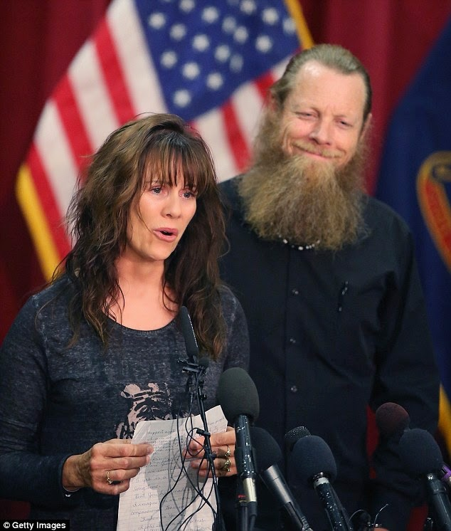 http://www.dailymail.co.uk/news/article-2646345/EXCLUSIVE-Outraged-parents-officer-died-searching-deserter-Bergdahl-hit-Obama-cover-just-like-Benghazi-claiming-told-LIES-hero-son-died.html
