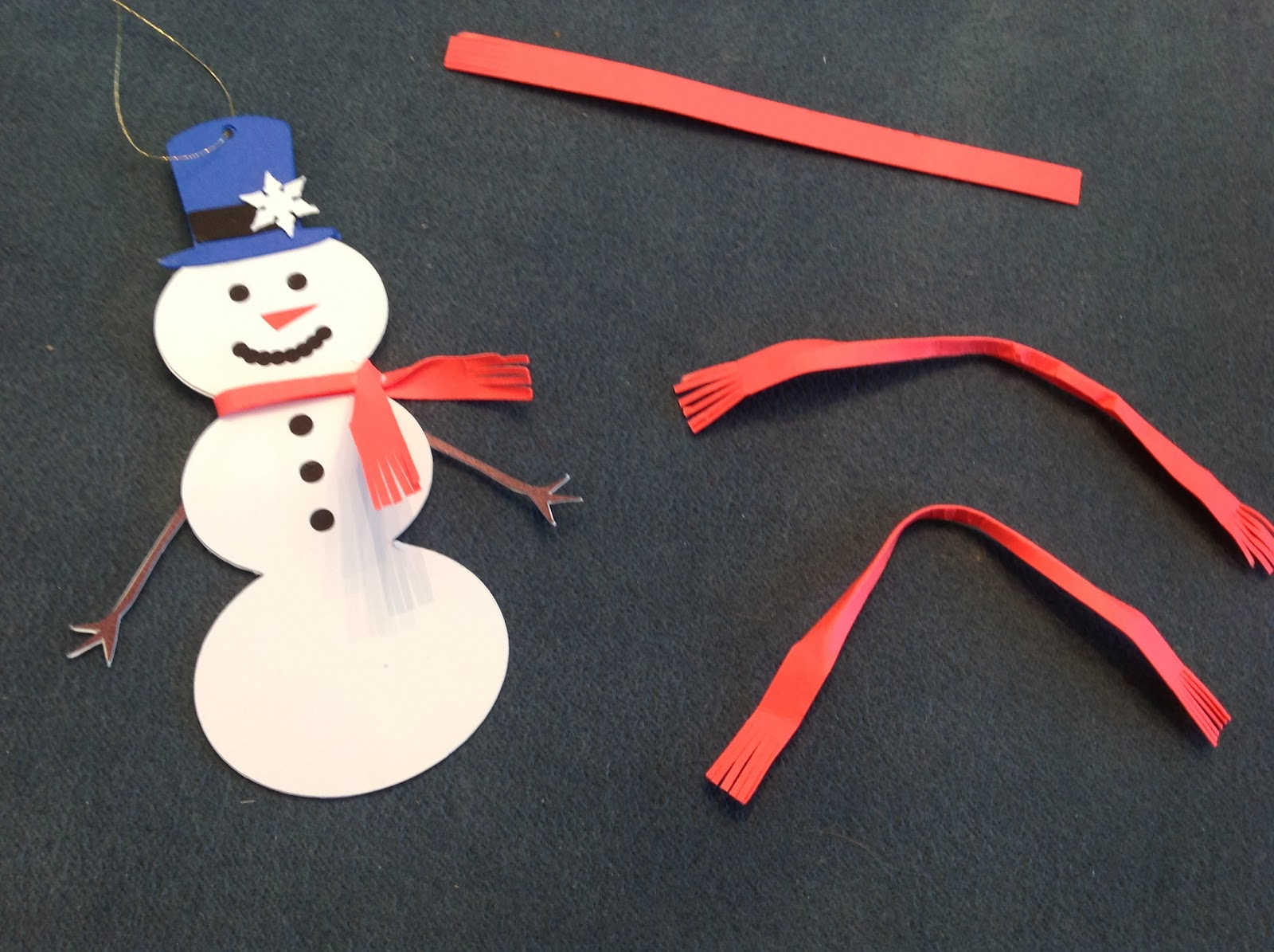Papercrafts and other fun things when it snows make for How to make snowman with paper