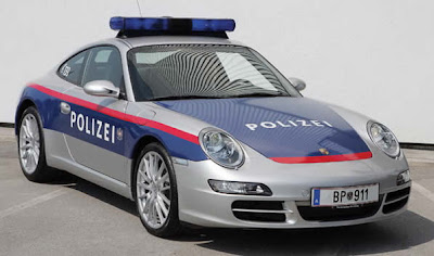 Porsche-911-Carrera-Police-Car