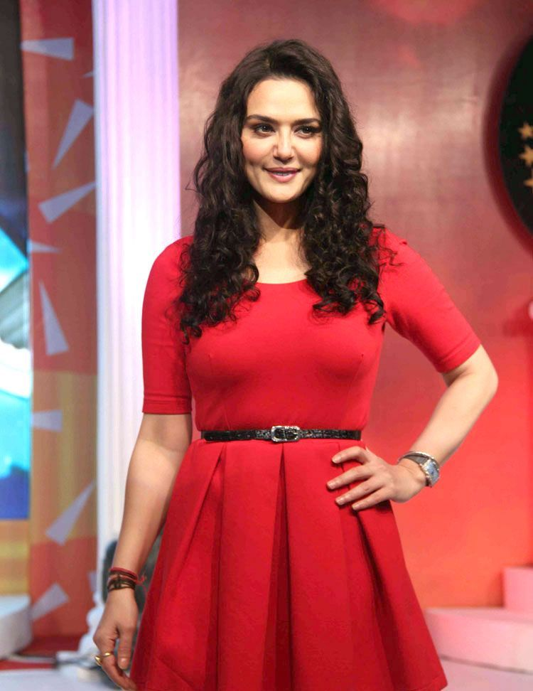 Preity Zinta Boob 15