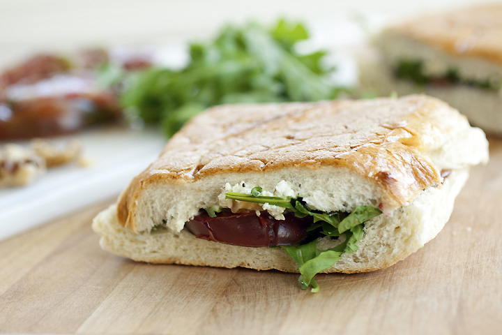 The Cooking Photographer: Goat Cheese, Toasted Walnut & Tomato Panini