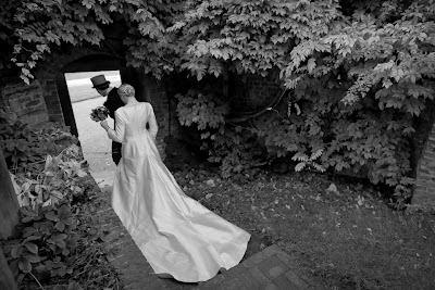 Foto Recién casados en blanco y negro