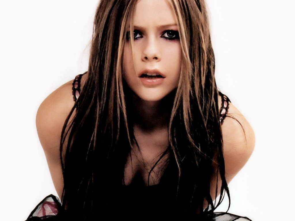 Avril Lavigne Hot Pictures, Photo Gallery & Wallpapers: Hot Avril ... Avril Lavigne