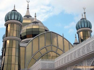 مسجد الكريستال ماليزيا get-11-2009-a2grwamw.jpg