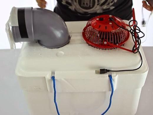 El siguiente paso es colocar el cargador solar con un for Cargar aire acondicionado casa
